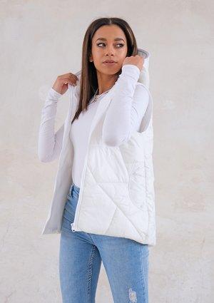 Quilted sleeveless ecrue jacket