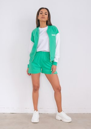 Szorty Lush Green ILM