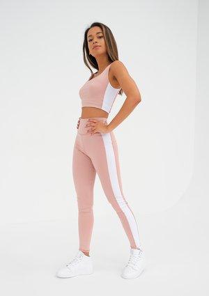 Powder Legging with a white stripe