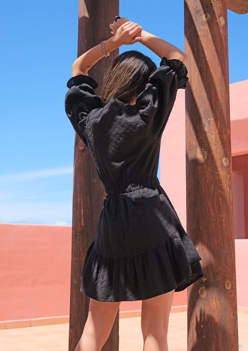 Puffed sleeved boho black dress