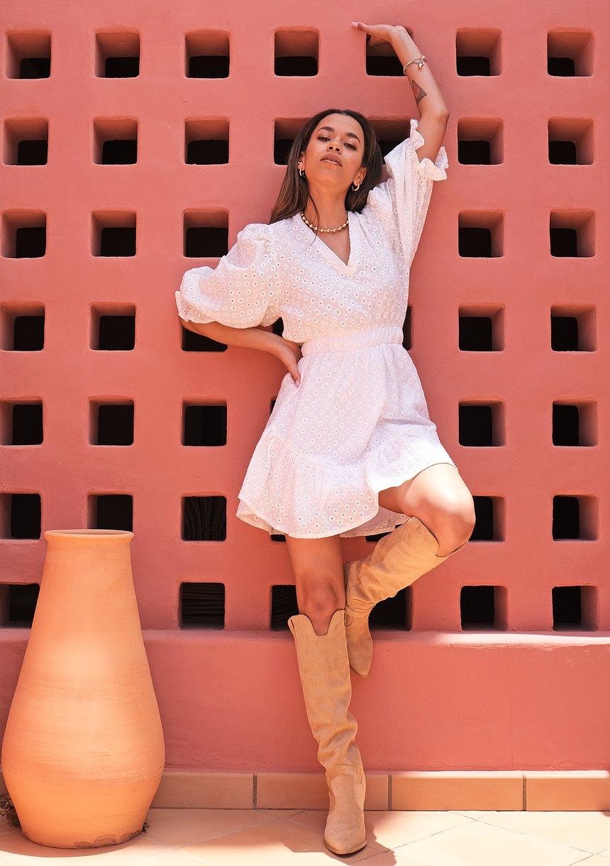 Puffed sleeved boho white dress