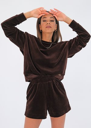 Loose velvet shorts Brown