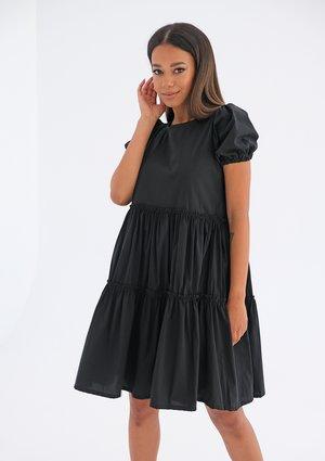 Sukienka z przeszyciami Czarna