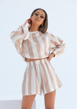 Muslin shorts with beige stripes