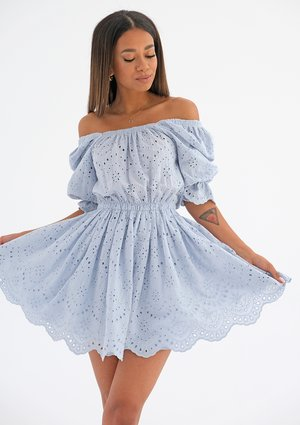 Openwork light blue dress with puff sleeves