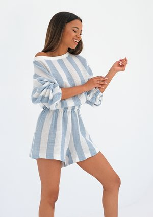 Muslin shorts with blue stripes