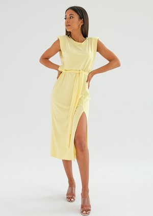 Midi yellow dress with shoulder pads