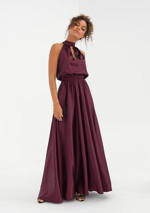 Sukienka z satyny z wiązaniem na szyi Bordowa