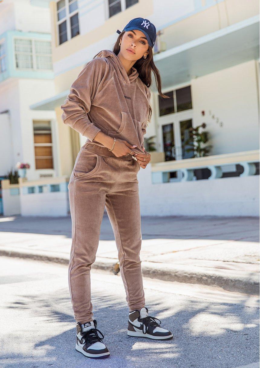 Spodnie welurowe Coffee Latte ILM