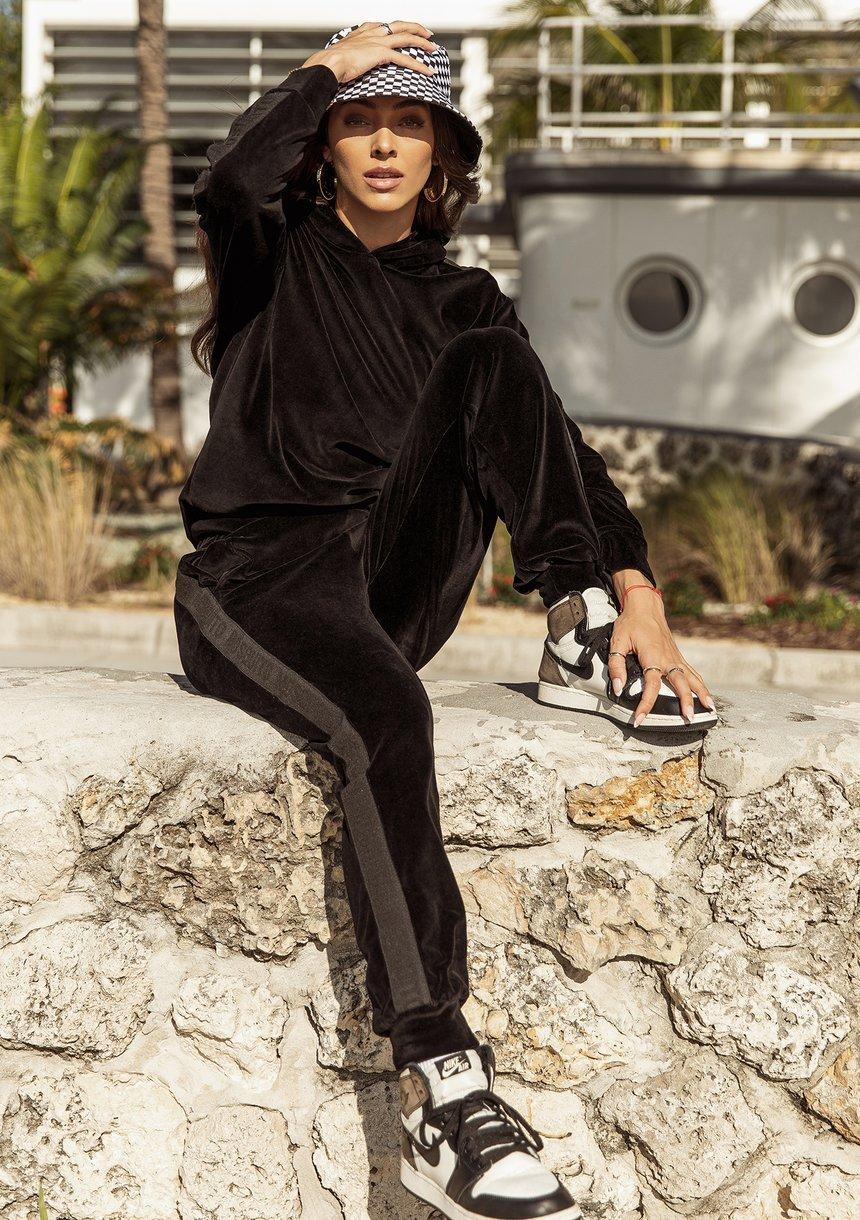Welurowe spodnie z lampasami Czarne ILM