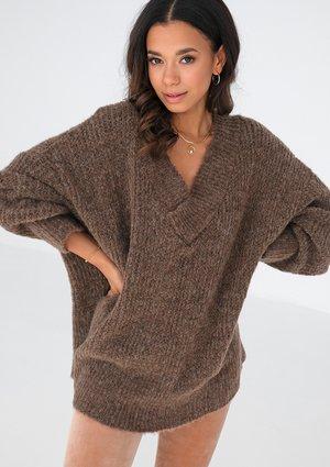 Brown oversized V-neck sweater ILM