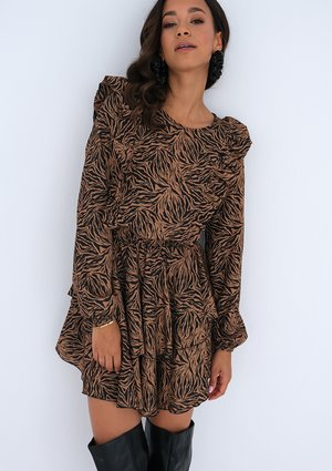 Brown printed dress with frills