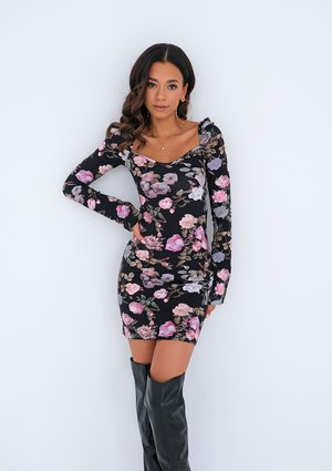 Tight mini dress with a pattern of roses