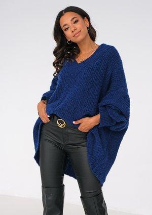 Cobalt Blue oversized V-neck sweater ILM