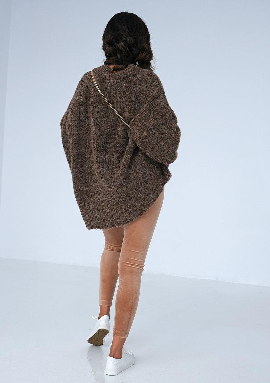 Sweter z dekoltem V oversize BRĄZOWY ILM