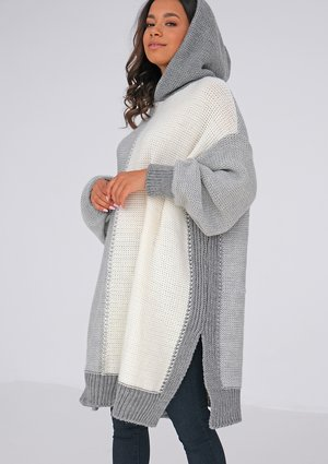 Long tricolor grey sweater with a hood