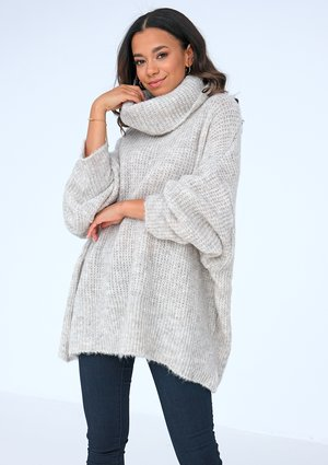 Beige turtleneck sweater ILM