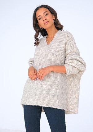Beige oversized V-neck sweater ILM