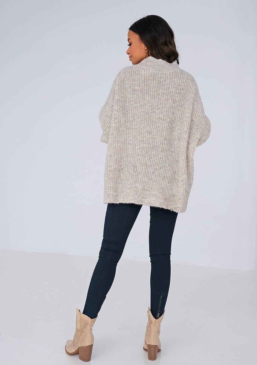 Sweter z dekoltem V oversize BEŻOWY ILM