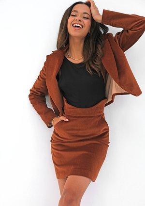 Mini caramel brown curduroy skirt