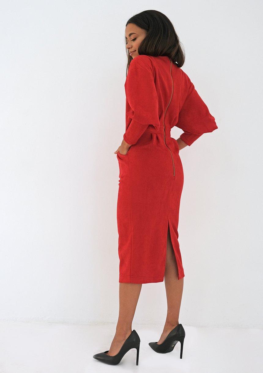Sukienka za kolano z eko zamszu Czerwona