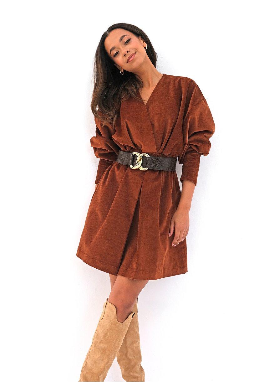 Sukienka ze sztruksu Karmelowa