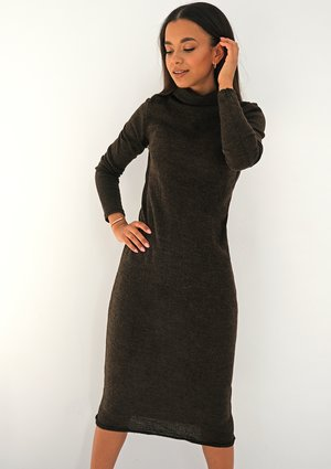 Midi knitted brown dress